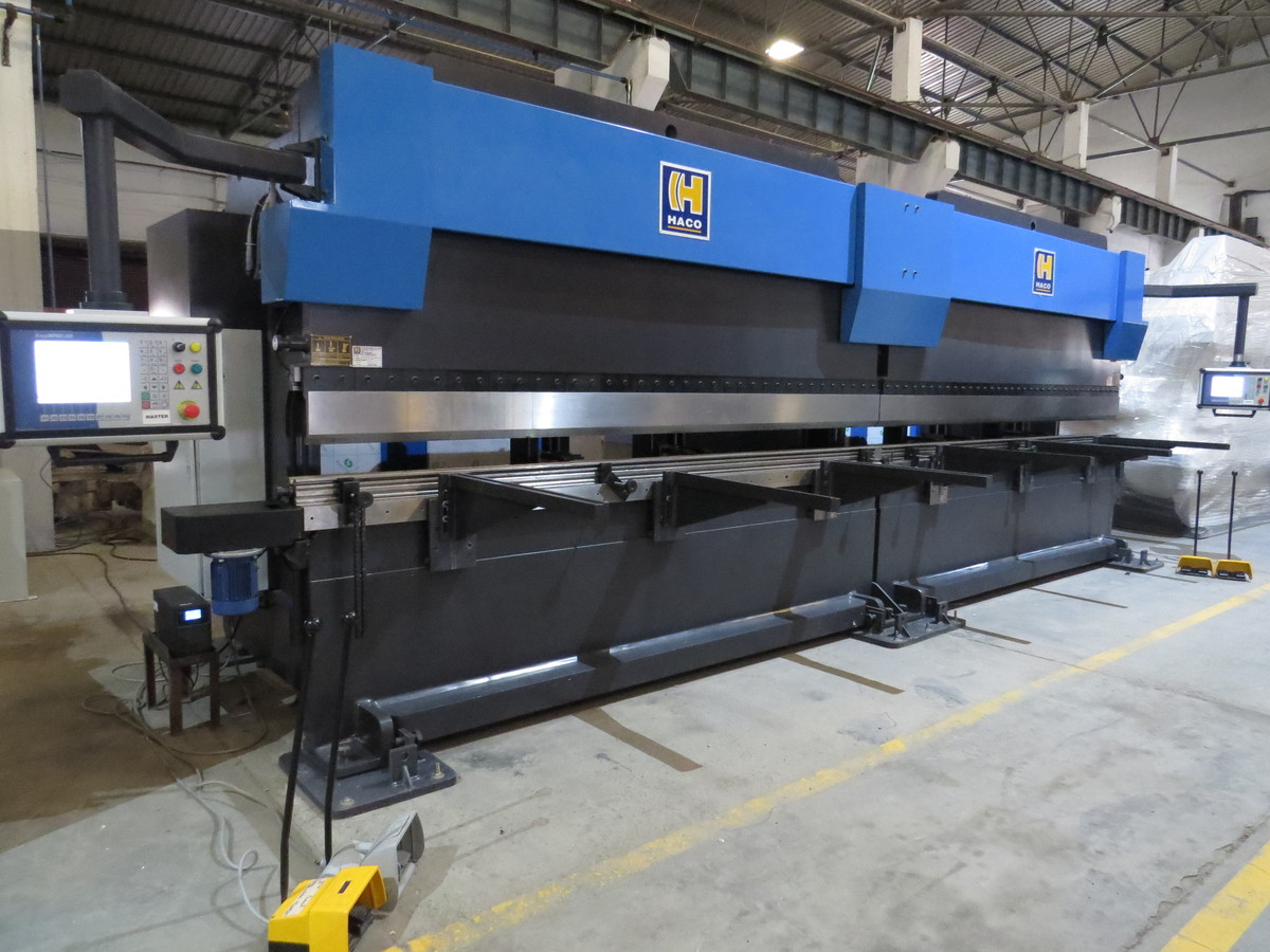 The HACO SynchroMaster Tandem Press Brake 2 s XRM 36250 = 7.2 mtr x 500 T